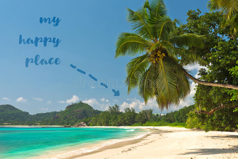 Plage tropicale à l'île Seychelles de Mahe photographie stock