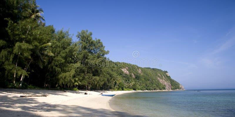 Plage tropicale abandonnée photos stock