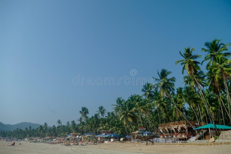 Plage tropicale au village de Palolem, état de Goa, Inde image libre de droits