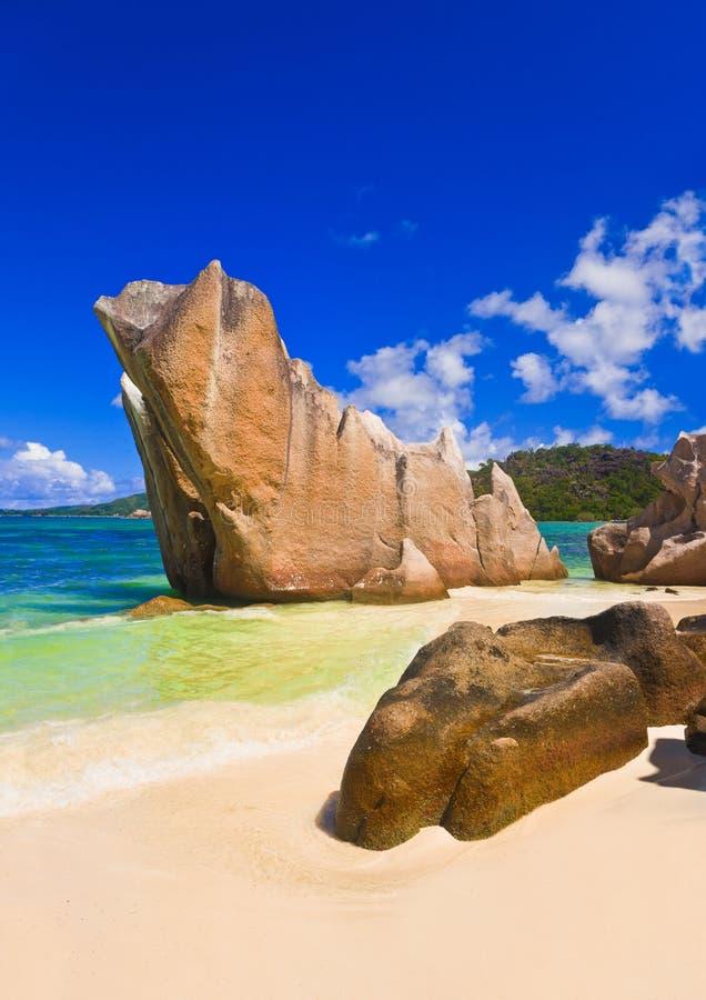 Plage tropicale chez les Seychelles photos libres de droits
