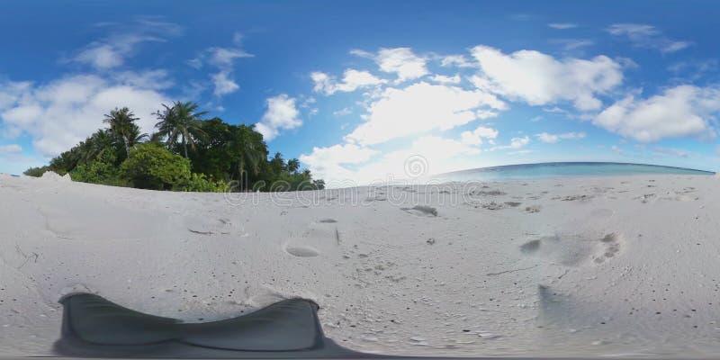 Plage tropicale d'île dans 360 degrés de réalité virtuelle des Maldives - vue de détente banque de vidéos