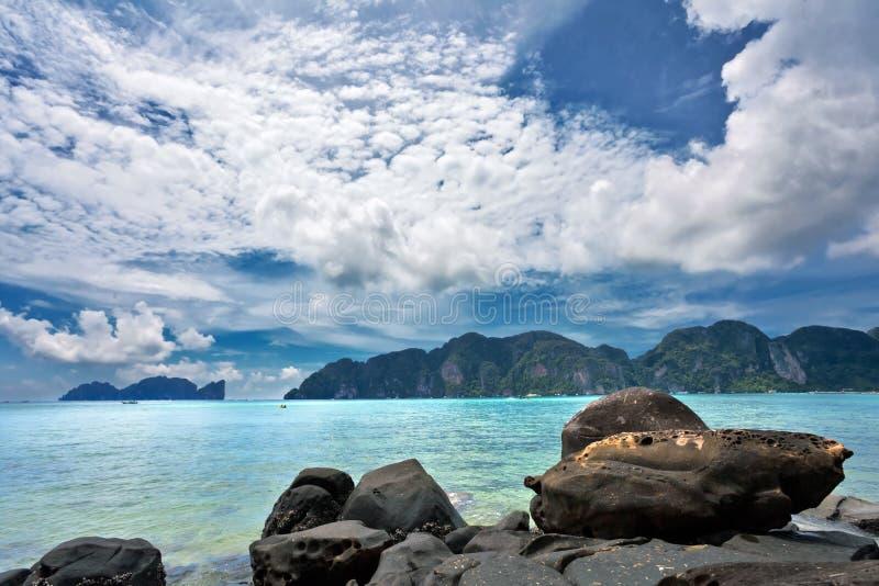 Plage tropicale exotique. image libre de droits