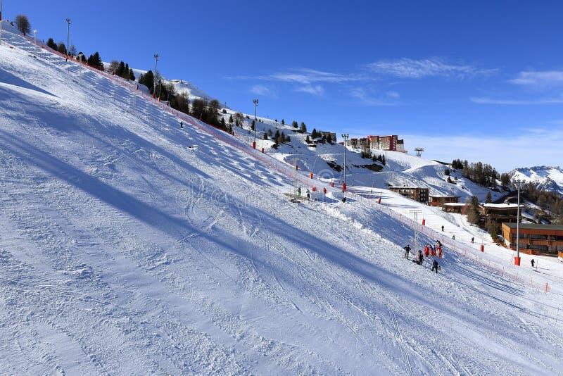 Plagne Aime 2000, Winterlandschaft im Skiort von La Plagne, Frankreich lizenzfreies stockfoto