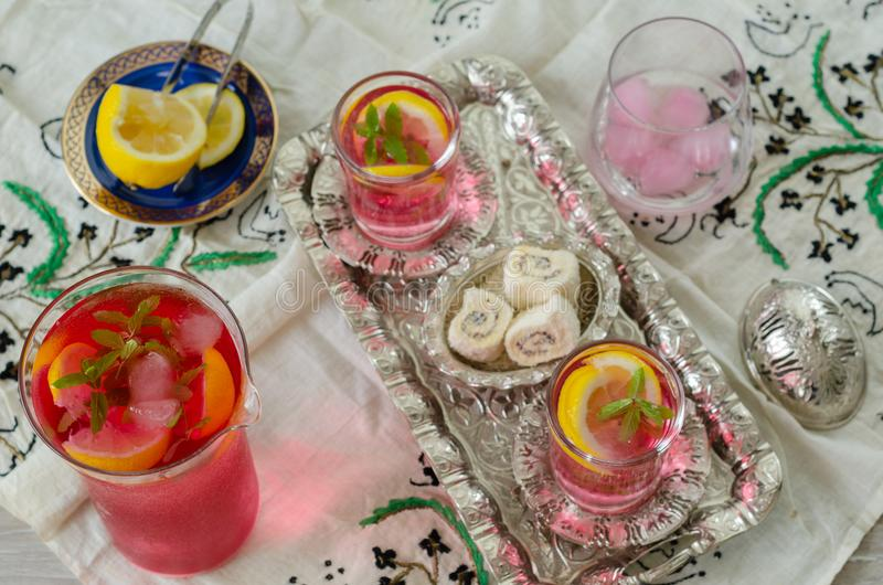 Plaisir turc et sorbet traditionnel turc de Ramadan de tabouret photographie stock