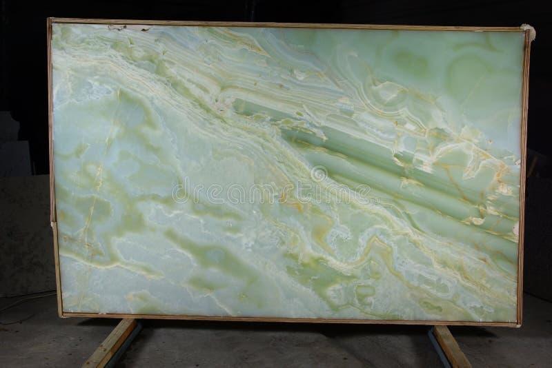 Plak van beschouwd als natuursteen groen Onyx, om halfedel  stock fotografie