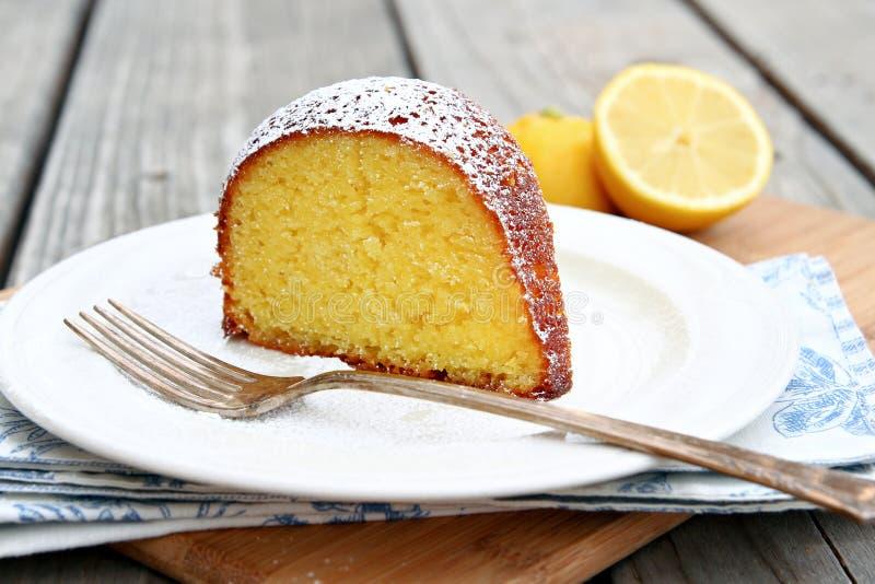 De Cake van de citroen royalty-vrije stock afbeelding