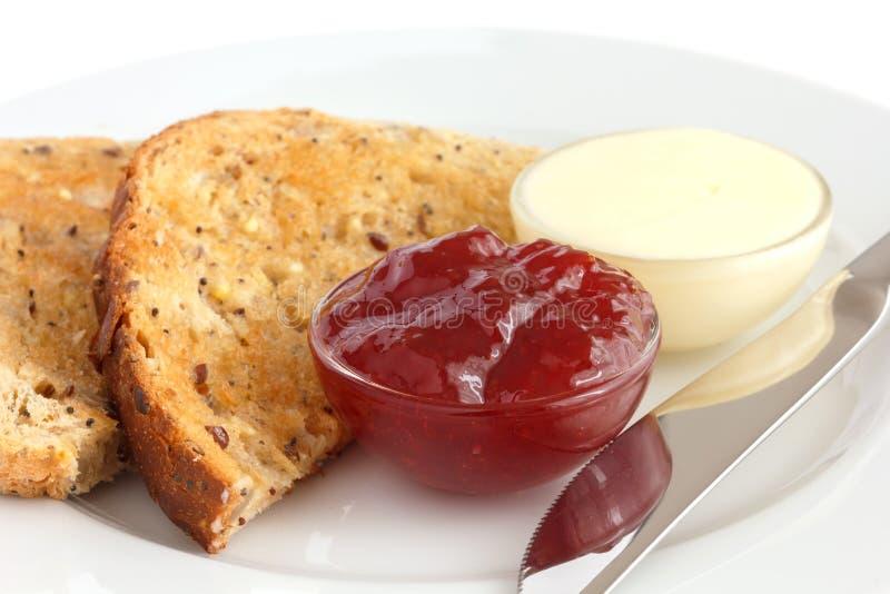 Plak van geroosterd multi-zaad wholegrain brood stock fotografie