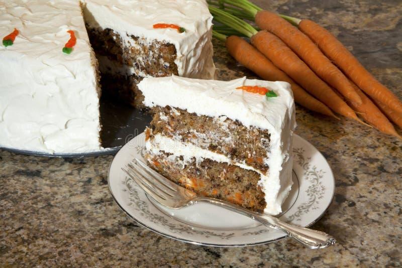 Plak van wortelcake stock foto