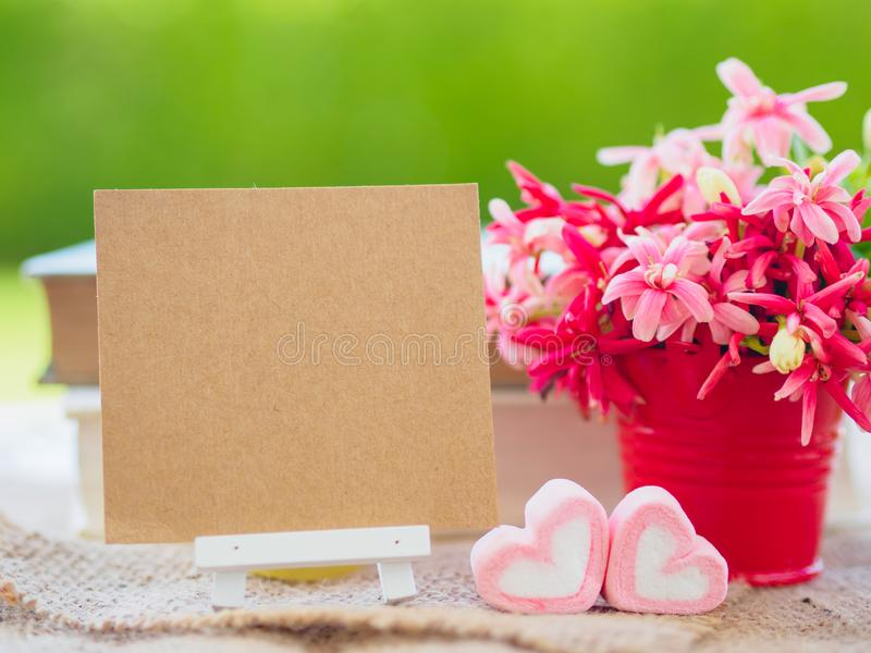 Plakata egzamin próbny w górę szablonu z kwiatu bukietem, fotografia royalty free