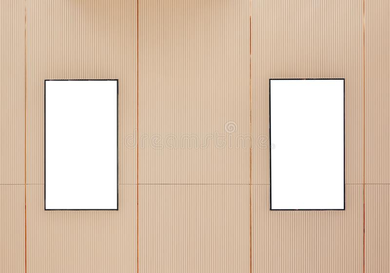 Plakatleuchtkasten des Films zwei oder Sichtflächekinolightbox oder -Anschlagtafeln mit weißer Leerstelle entlang dem Gehweg in m stockbilder