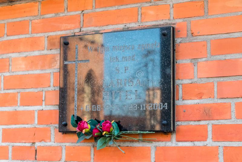 Plakieta upamiętnia miejsce śmierć lekarz medycyny Larisa Bitel zdjęcia royalty free