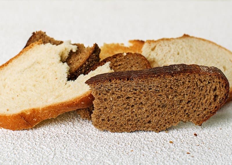 Plakken van oud brood stock afbeelding