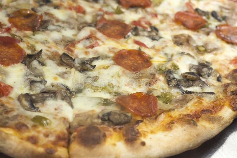 Download Plakpizza stock afbeelding. Afbeelding bestaande uit tomaat - 54091999