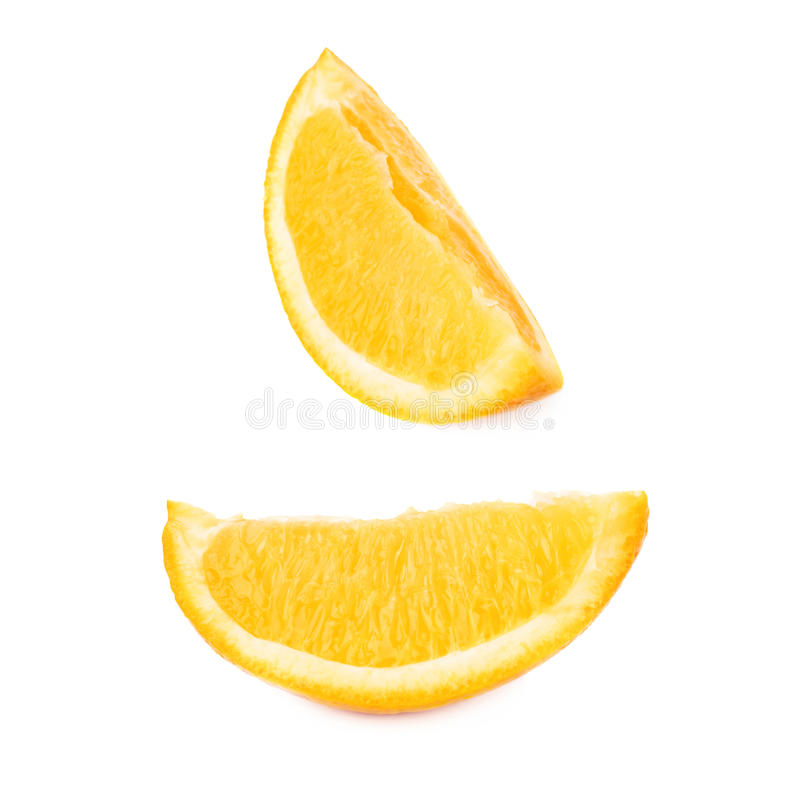 Plaksectie van sinaasappel over de witte achtergrond, reeks wordt geïsoleerd verschillende foreshortenings die royalty-vrije stock afbeeldingen