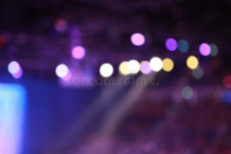 Plama koncerta światła jaśnienie na scenie głównej zdjęcie royalty free