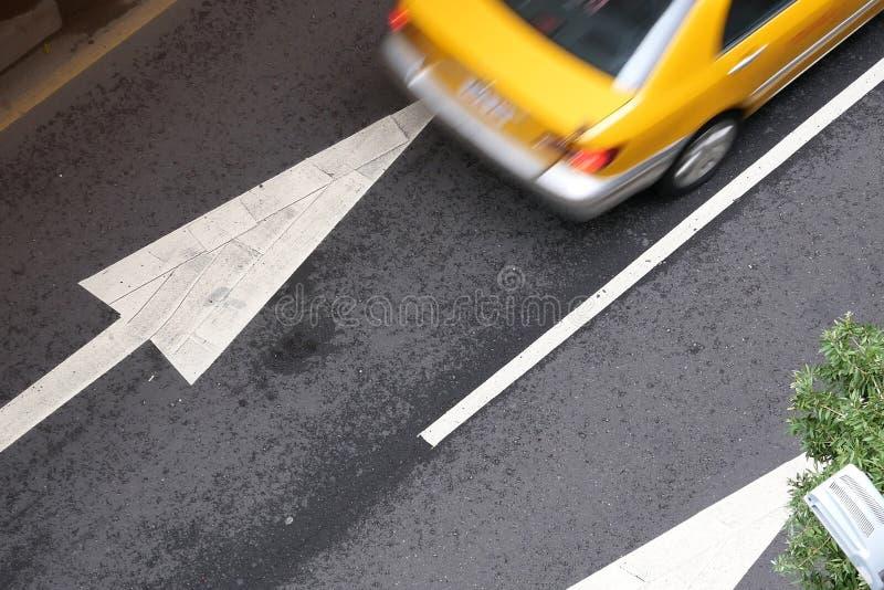 Plama ruchu taxi na drodze podczas godziny szczytu fotografia royalty free