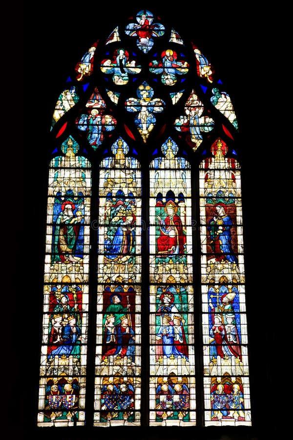 Download Plamiący Chartres Katedralny Szkło Obraz Stock - Obraz złożonej z cześć, glassblower: 13331087
