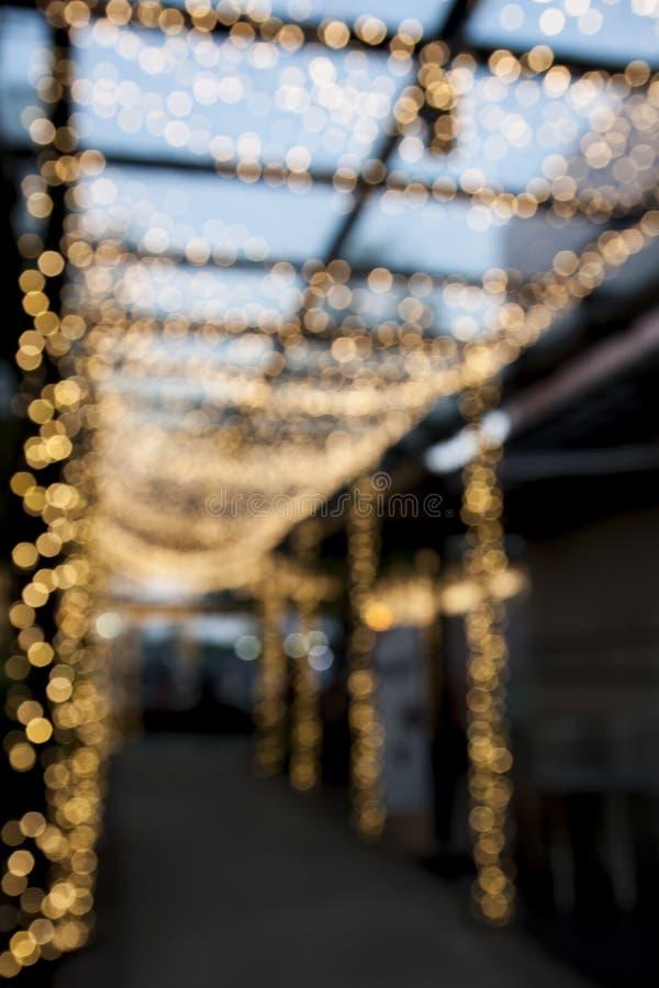 Download Plamy Droga Przemian Z Bokeh światłem Zdjęcie Stock - Obraz złożonej z wyznaczający, sklep: 57658998