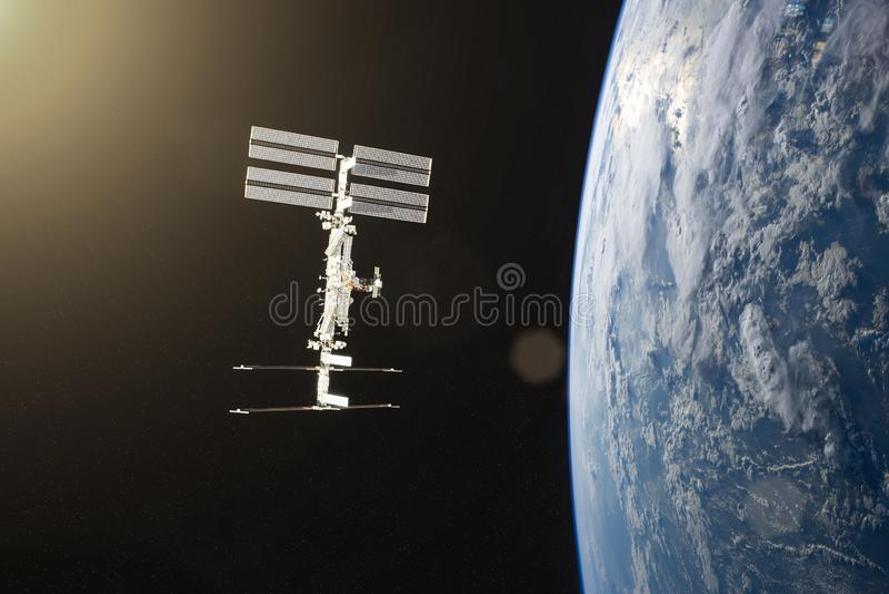 planète bleue de la terre Lancement de vaisseau spatial dans l'espace Éléments de cette image meublés par la NASA photo stock