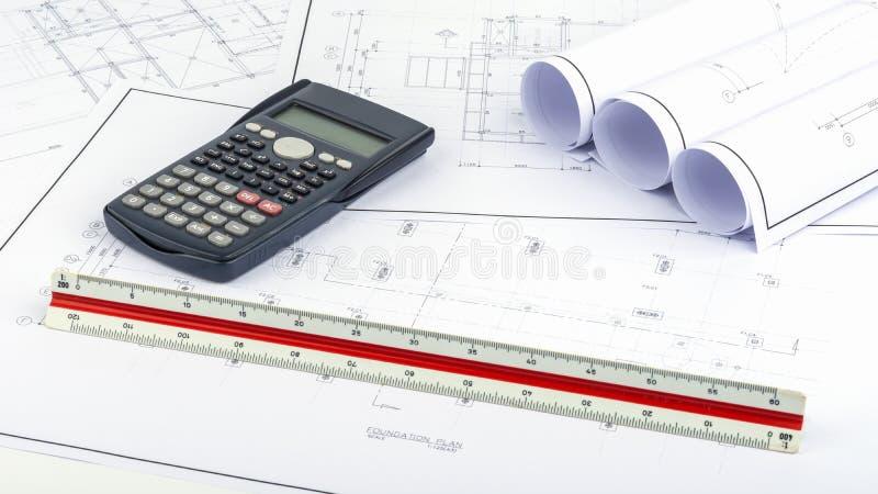 Plan de la estructura, dirigiendo cálculos foto de archivo