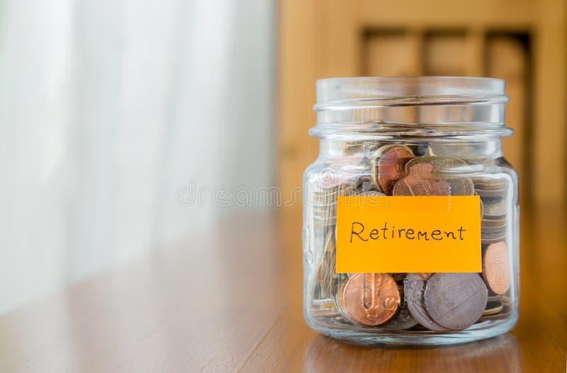 Plan financier pour épargner l'argent de retraite photo stock