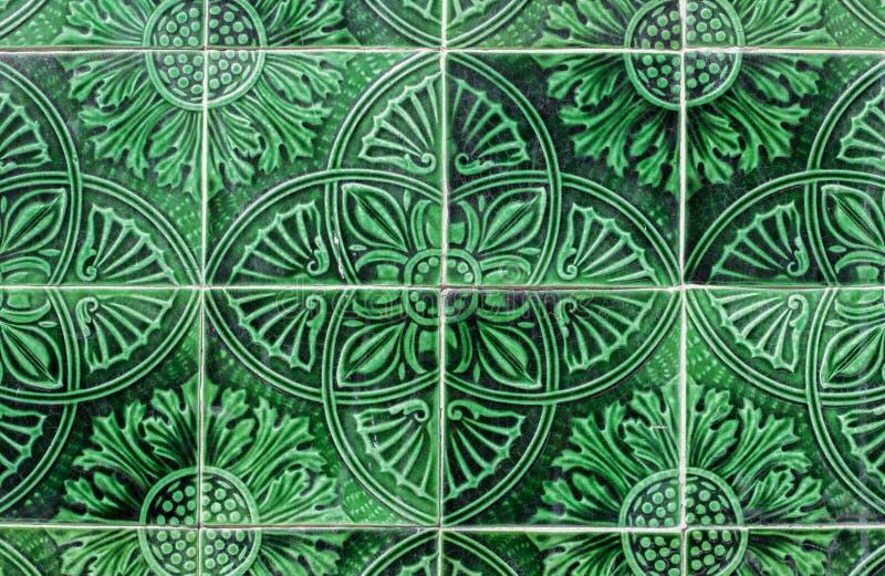 Plan rapproché arabe vert de carreaux de céramique images stock