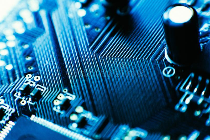 Plan rapproché bleu de couleur de condensateurs de panneau d'ordinateur image libre de droits