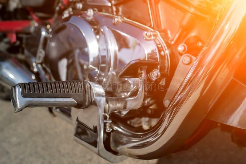 Plan rapproché brillant de moteur de moto de chrome photo libre de droits