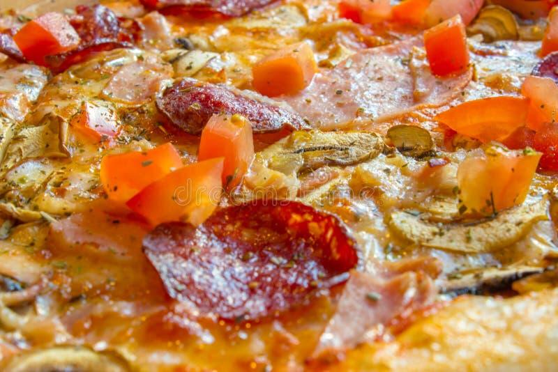 Plan rapproché délicieux savoureux de pizza Arrosage de bouche photographie stock