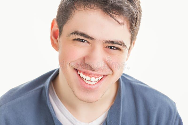 Plan rapproché d'adolescent de sourire photographie stock