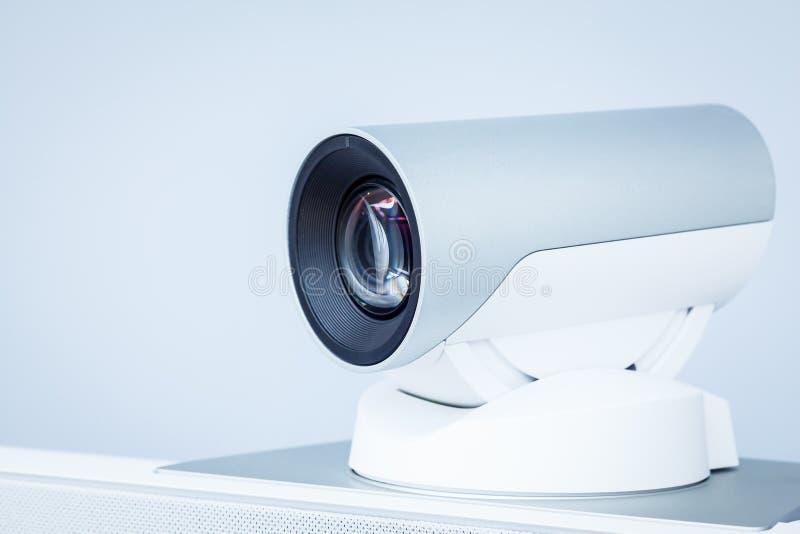 Plan rapproché d'appareil-photo de téléconférence, de vidéoconférence ou de téléprésence photographie stock