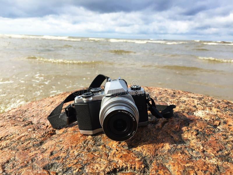 Plan rapproché d'appareil photo numérique Caméra pour des amateurs et des professionnels details photo stock