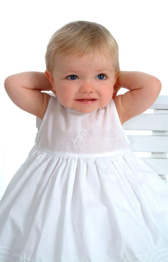 Plan rapproché d'enfant en bas âge mignon photo libre de droits