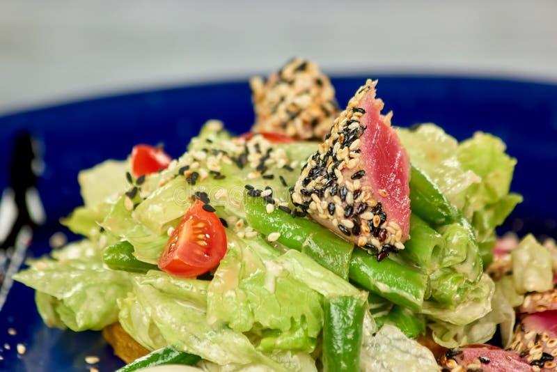 Plan rapproché d'ingrédients de salade image libre de droits