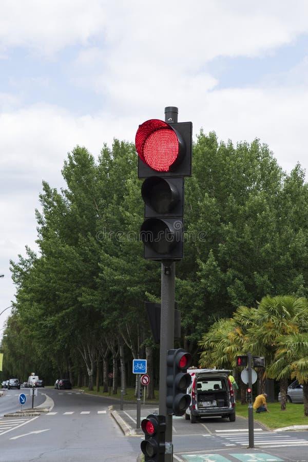 Plan rapproché d'un feu de signalisation rouge photos libres de droits
