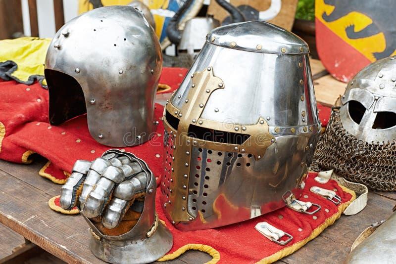 Plan rapproché d'un grand du casque chevalier beau photographie stock libre de droits