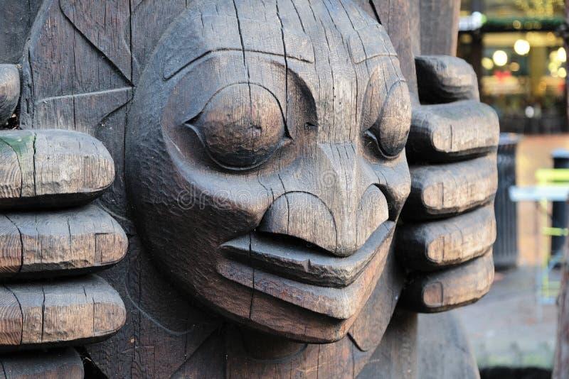 Plan rapproché d'un poteau de totem à Seattle, Washington photographie stock libre de droits