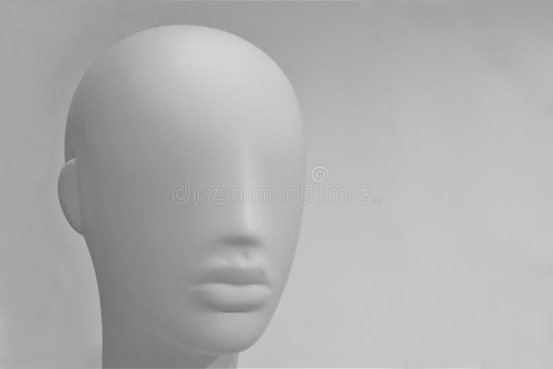 Plan rapproché d'une tête en plastique de mannequin photos libres de droits