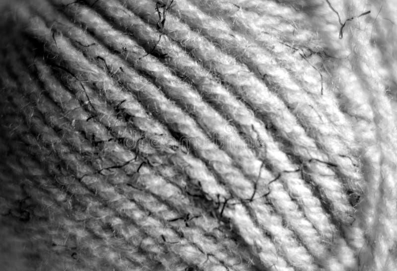 Plan rapproch? de boule de fil avec l'effet de tache floue en noir et blanc photo libre de droits