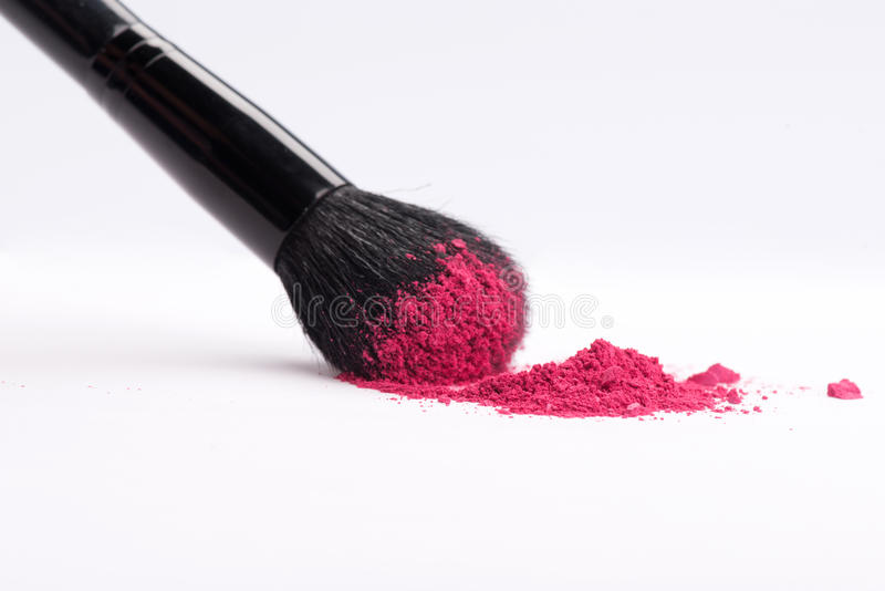 Plan rapproché de brosse professionnelle de maquillage avec images libres de droits