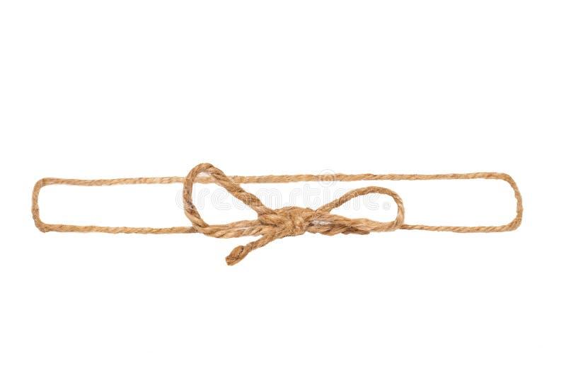 Plan rapproché de cadre fait à partir du noeud ou du noeud de ficelle avec l'arc d'isolement sur un fond blanc Fond de d?coration photo stock