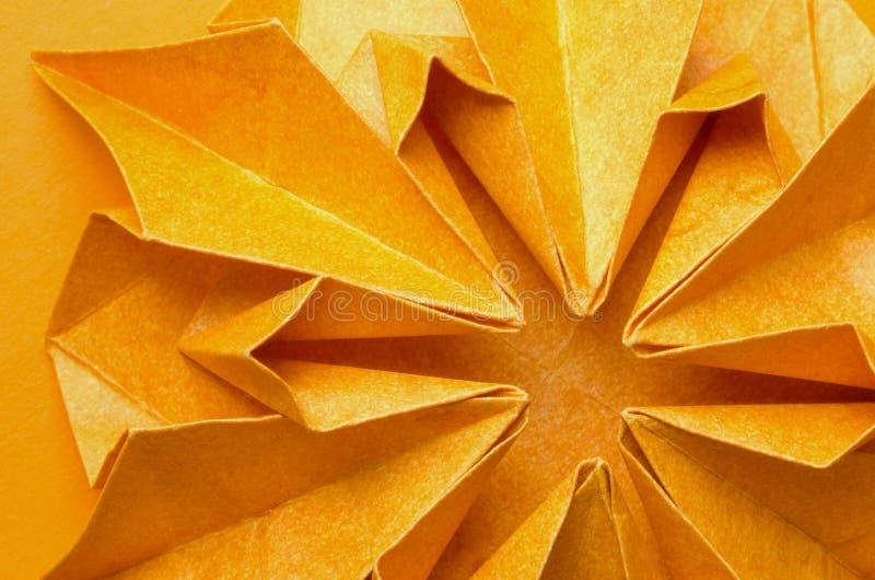 Plan rapproché de fleur de papier orange photographie stock