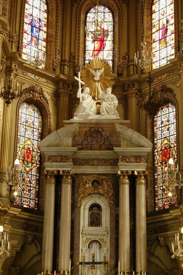 Plan rapproché de l'autel de la cathédrale à Léon, Guanajuato Vue verticale images libres de droits