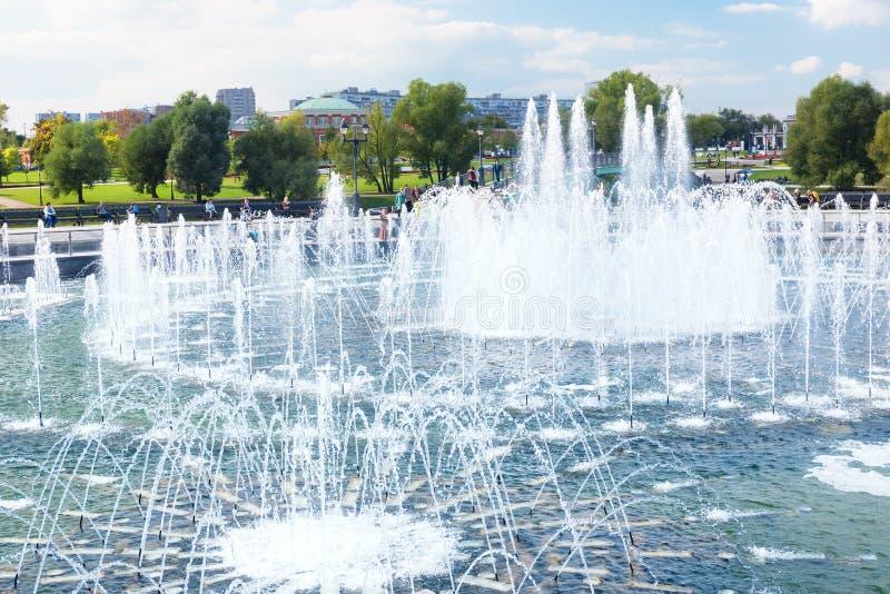Download Plan Rapproché De La Fontaine De Tsaritsyno Photo stock - Image du espace, sain: 76079314
