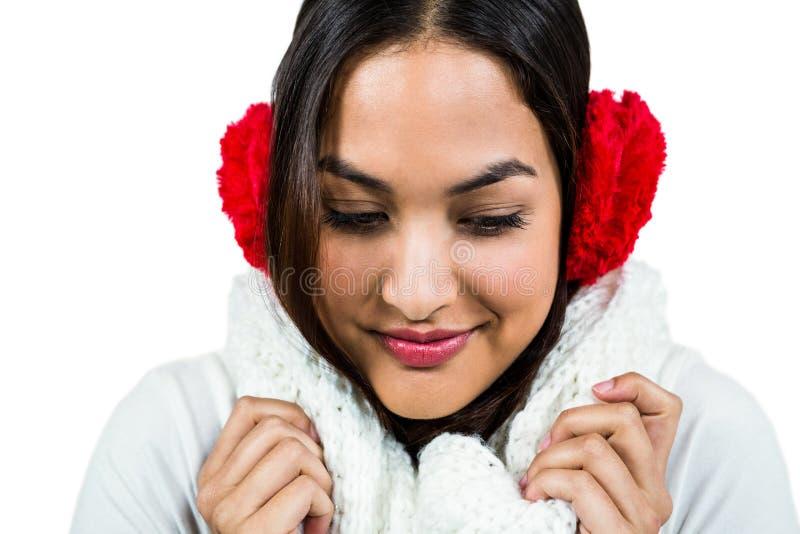 Plan rapproché de manchon de port d'oreille de femme photos stock