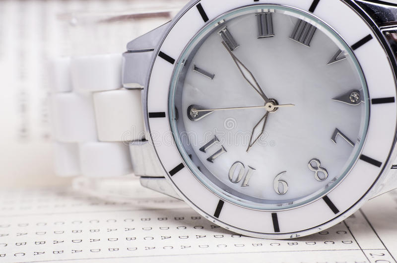 Plan rapproché de montre photographie stock