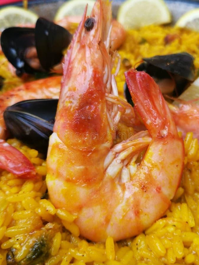 Plan rapproché de Paella de fruits de mer images stock
