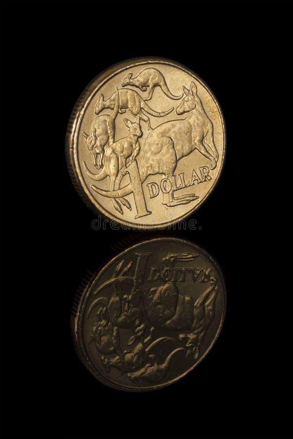 Plan rapproché de pièce de monnaie du dollar australien avec la réflexion photo stock