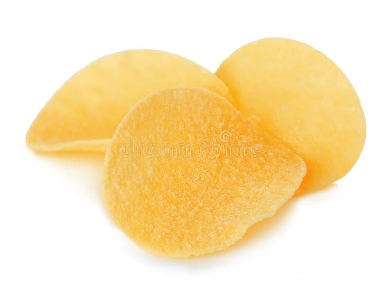 Plan rapproché de pommes chips d'isolement sur le blanc photographie stock libre de droits