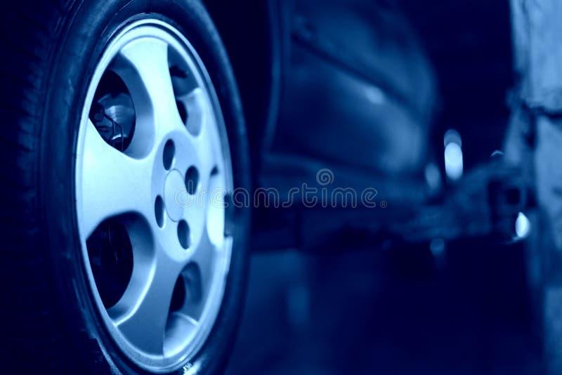Plan rapproché de roue de véhicule photos stock